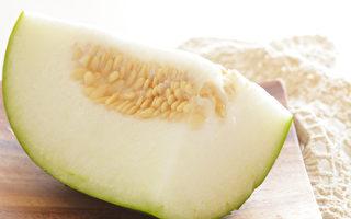 """冬瓜又叫""""减肥瓜""""、""""瘦身瓜"""",是高纤维低热量的食物。(Shutterstock)"""