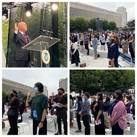 9月17日在林肯中心的露天剧场上,200名新公民跟着国土安全部长唱念誓词,宣誓效忠美国。