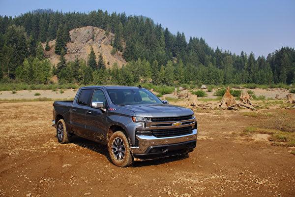 車評:柴油新動力 2021 Chevrolet Silverado LT Z71