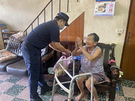 中坜兴国所送暖弱势家庭。