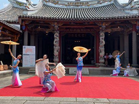 优雅的客家舞蹈表演。