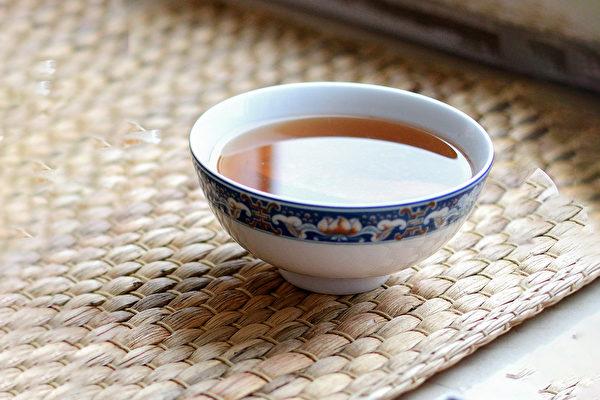 自制2道茶饮,消除体内累积的油脂和湿气。(Shutterstock)