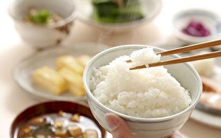 淀粉类食物是三餐中的最大陷阱,吃太多可能造成记忆减弱。(Shutterstock)