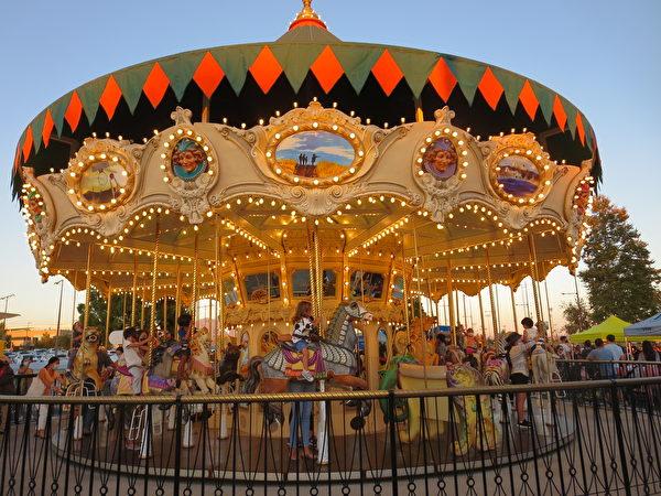 爾灣市在橙縣大公園慶祝中秋節