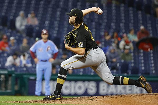 组图:MLB 费城人12:6逆转匹兹堡海盗