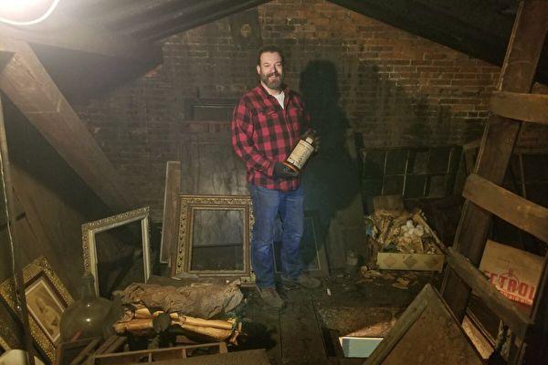 美國男買老宅 發現藏千件古董的祕密閣樓