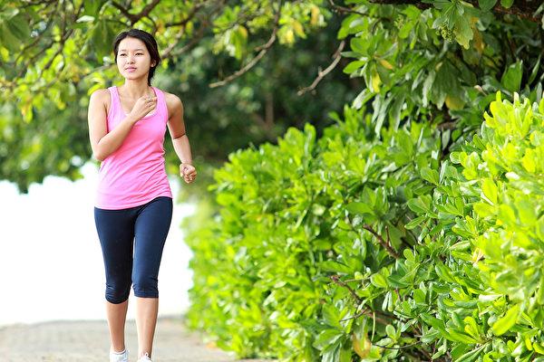 适度的运动,可以缓解癌症疲劳,对于抗癌非常重要。(Shutterstock)