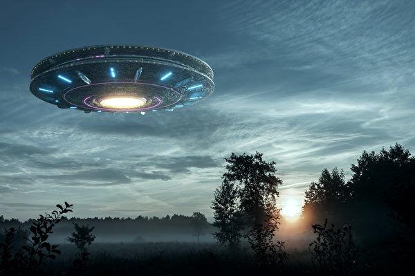 目击UFO干扰美核武 前空军军官吁国会听证