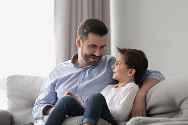 讓孩子在家感到安全和愛的八種方法