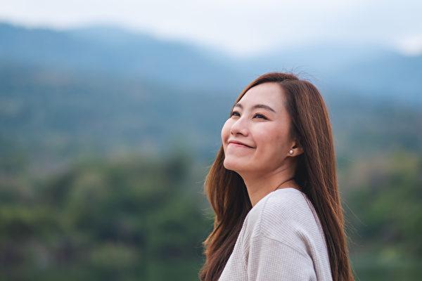 善良的心態和行為,能讓身體分泌催產素,提升免疫力。(Shutterstock)