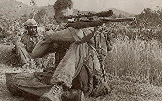 美军传奇狙击手 独自爬行几天去歼灭北越将军