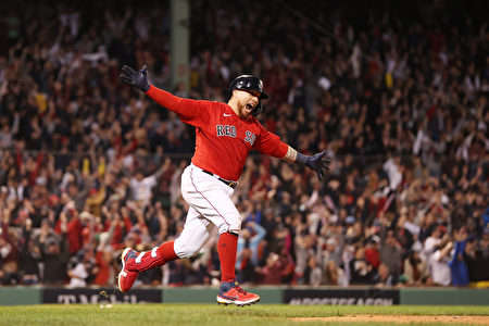 MLB敲延長賽再見轟 瓦茲奎茲助紅襪季後賽聽牌