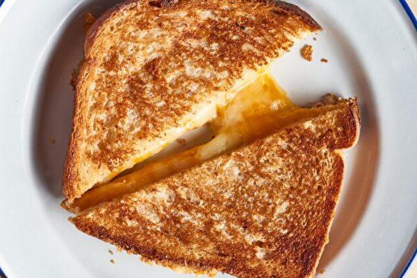 空气炸锅版奶酪三明治 金黄软糯 绝不失手