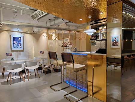 在網美風格的時髦餐廳享用新穎的台式麵食。