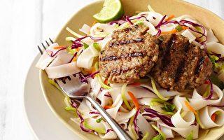西蘭花沙拉是快速製作爽脆泰式米粉沙拉關鍵