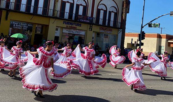 加州蒙特贝罗建市101年 民众举行庆典活动