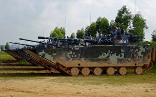 共军05两栖战车针对台海? 台防长:密切注意揣摩对策