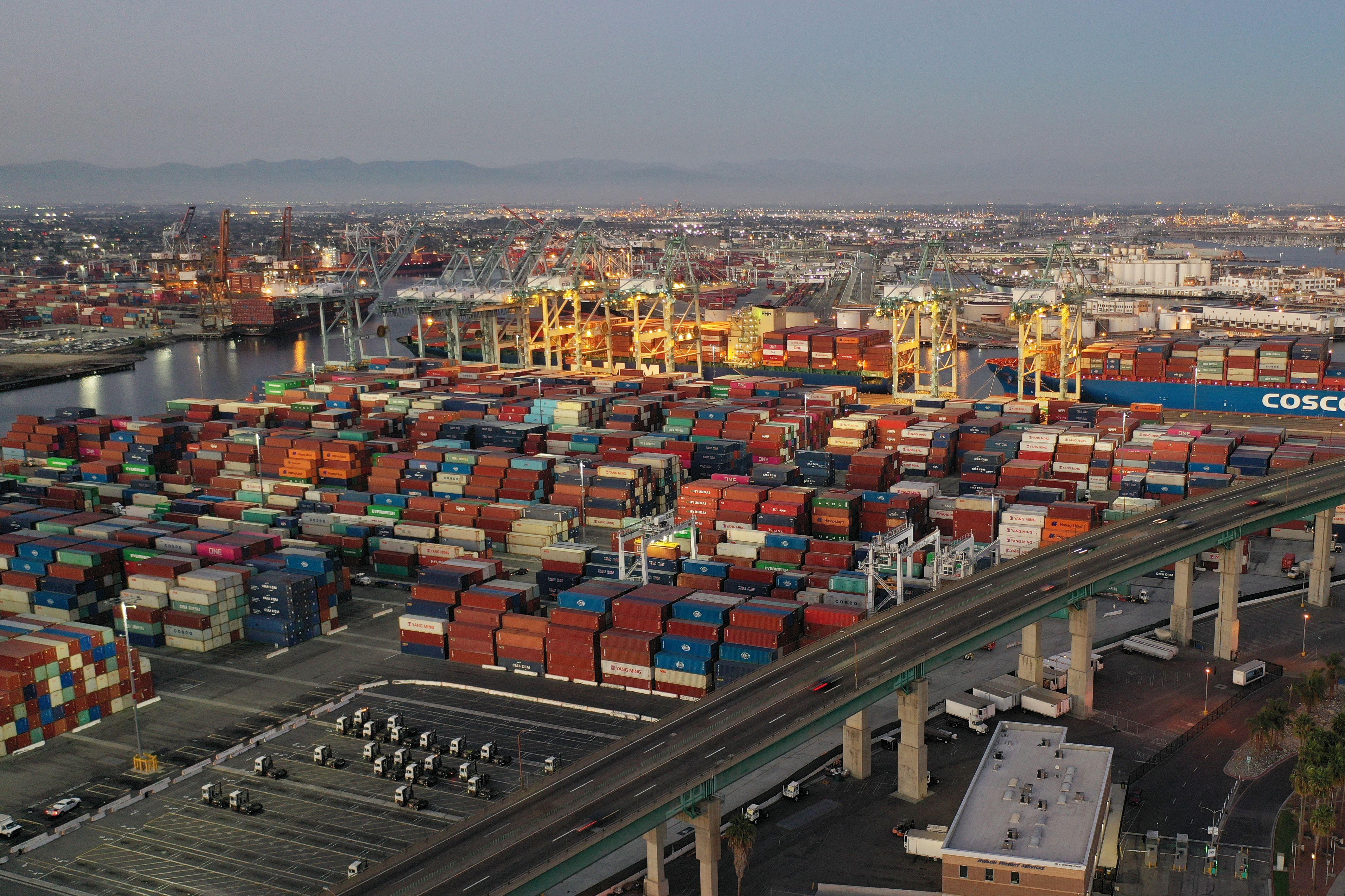 加州港口集裝箱棄社區 警方開400逾張罰單