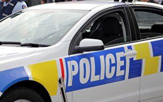 4岁男童打紧急电话 邀请警方去看他的玩具