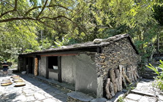嘉蘭村老爺爺的石板屋 再現原民建築技藝
